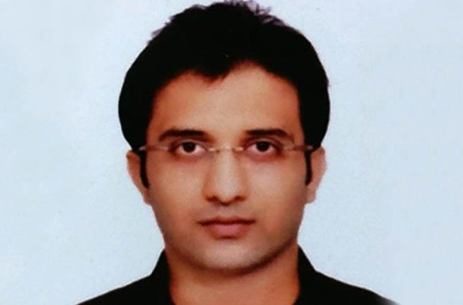 Dr. Parikshit Pakhale